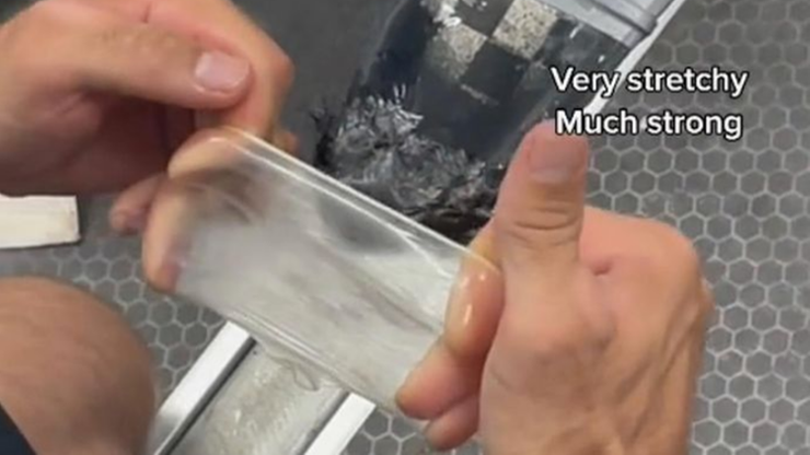 Tokio 2020. Australijka Jess Fox użyła prezerwatywy do naprawy kajaka. Zdobyła brąz