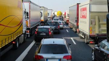 Zderzenie ciężarówek. Trasa zablokowana w obu kierunkach
