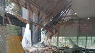 Ulewy w Wielkopolsce. Zawalił się dach hali sportowej w Poznaniu