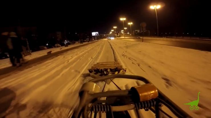 Miasto nie odśnieża ścieżek rowerowych. Pomysłowy rowerzysta wziął sprawy w swoje ręce
