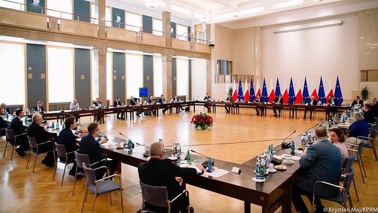 """""""Plan Marshalla"""" dla Białorusi. Premier spotkał się z opozycją"""