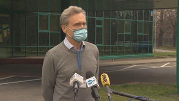"""Szczepienie poza kolejnością. """"Zgłaszamy rektora WUM do prokuratury"""""""