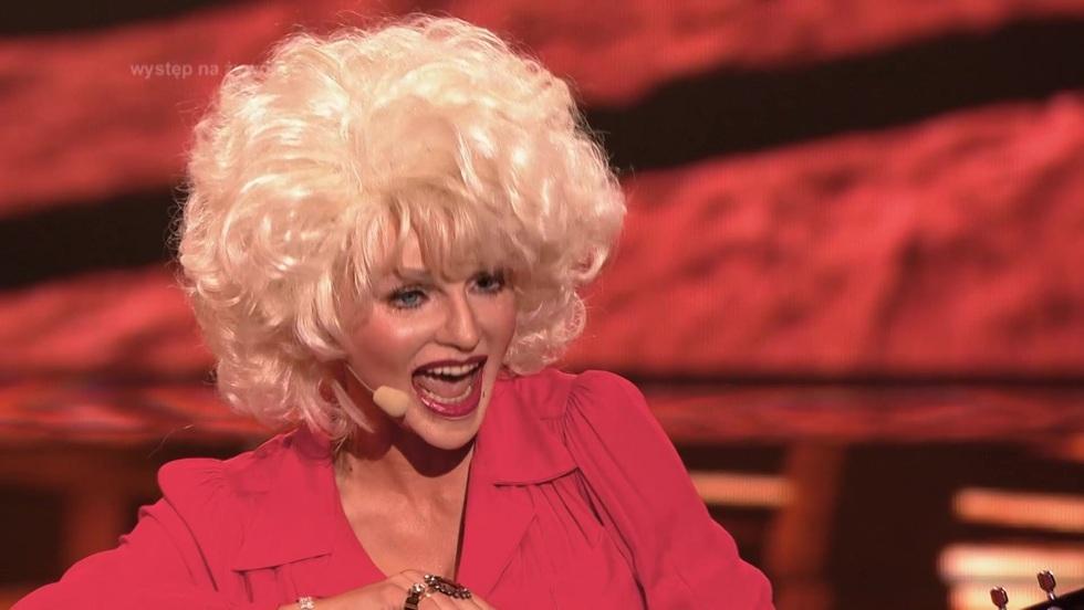 """Cudowna Dolly Parton w """"Twoja Twarz Brzmi Znajomo"""""""